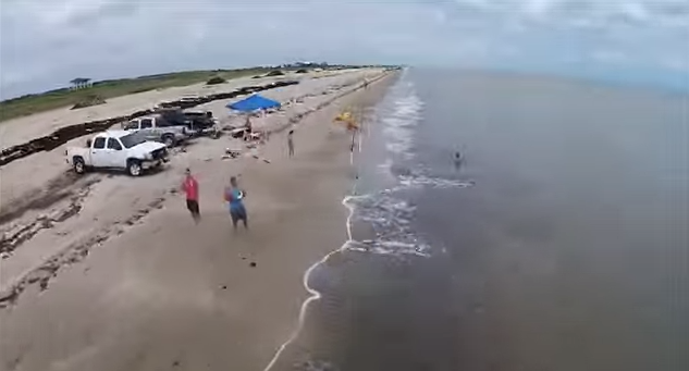 surf fishing with a drone to cast your bait waaaay out there - red, Hard Baits
